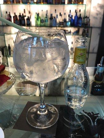 Glass Bar: photo1.jpg