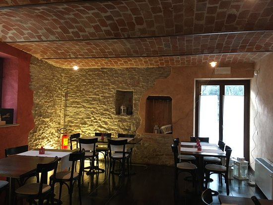 Trezzo Tinella, Itália: Sala