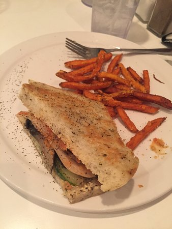 Mount Stewart, Kanada: Vegan Sheppard pie, and vegan mushroom ricotta panini