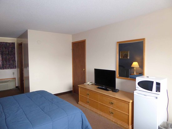 Model A Inn: TV, fridge and microwave