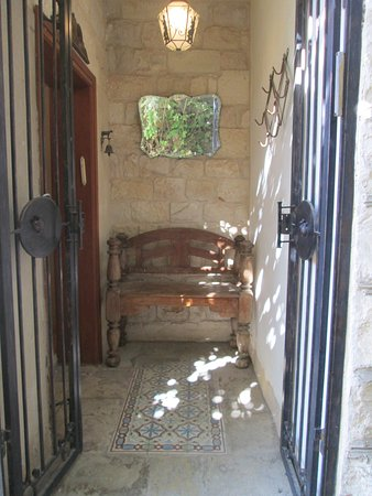 Beit Yosef Bed & Breakfast: Entrance to our apartment