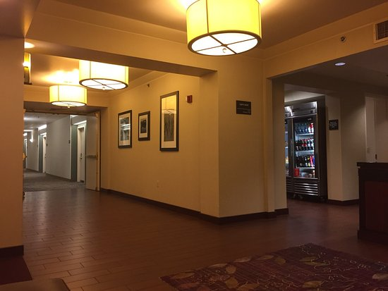 Hampton Inn Portland-Airport: photo0.jpg