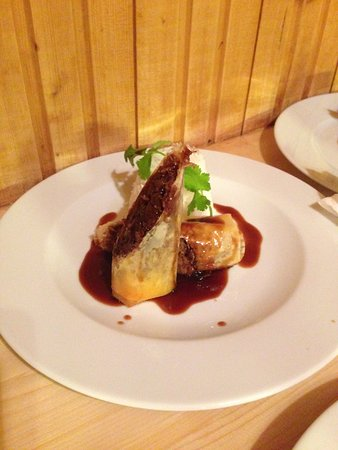Nancroix, France: Dinner's served. A la table !
