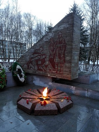 Staraya Russa, รัสเซีย: Вечный огонь, Старая Русса