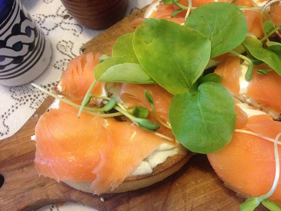 Oviatt House Bed and Breakfast : Salmon plate for breakfast
