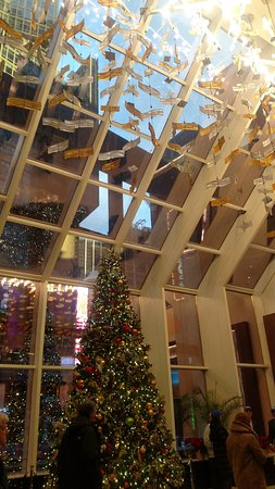 crowne plaza times square manhattan christmas decorations at the escalator