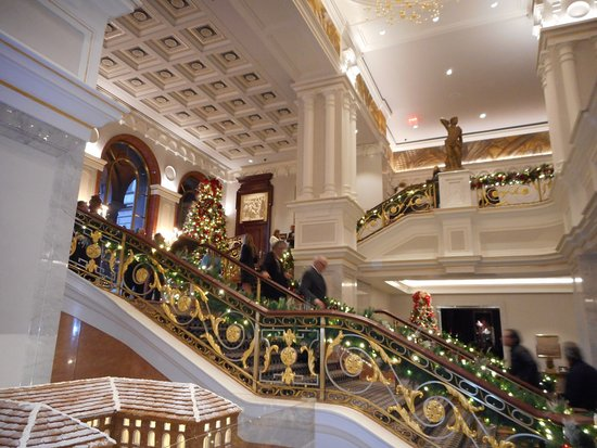The Towers At Lotte New York Palace: Grand Staircase In Lobby