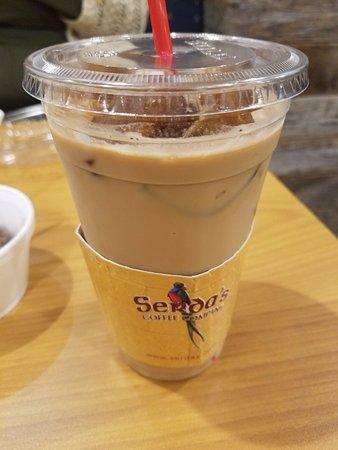 Serda's Coffee Co: Iced latte at Serda's in Daphne
