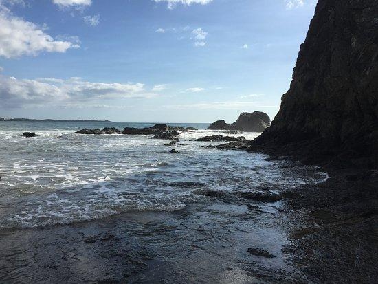 Playa Grande, Costa Rica: Las formaciones rocosas son algo muy caracteristico de esta playa!