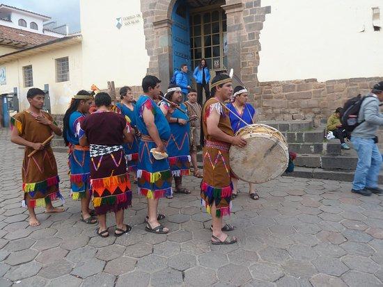 Church of San Blas (Iglesia de San Blas): festa ao lado da igleja.