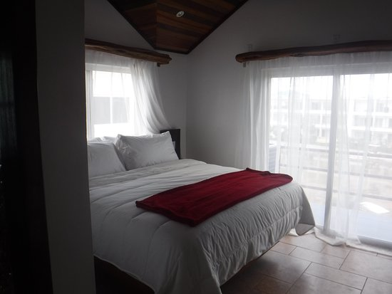 Tres Cocos Resort: Penthouse masterbedroom
