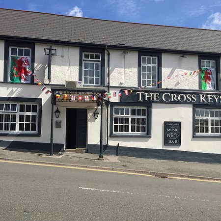 The Cross Keys Hotel situated in the Heart of Old Llantrisant Town. Friendly public house provid