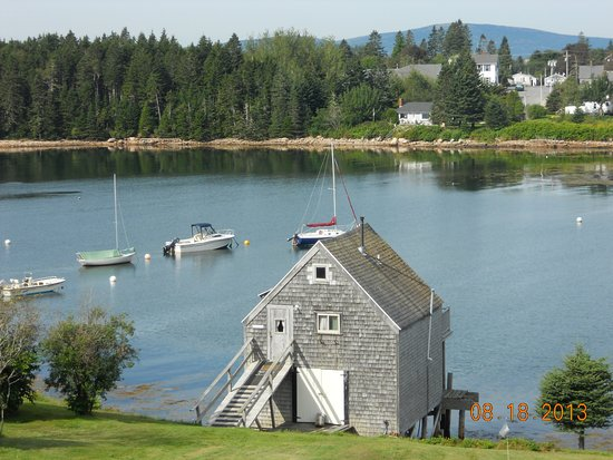 Boathouse Cottage - Picture of MainStay Cottages & RV Park, Winter
