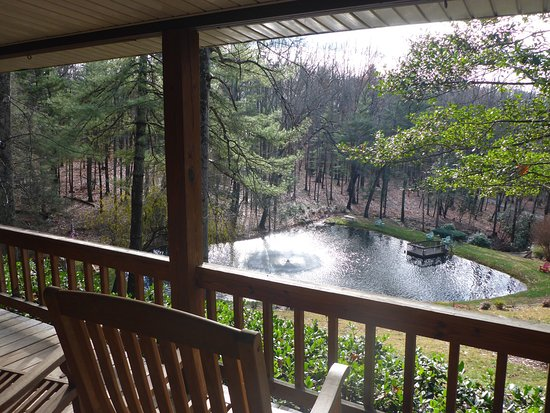 Asheville Cabins of Willow Winds: photo1.jpg