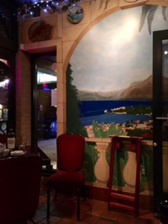 Carini's La Conca D'Oro: Painted frescoes make you feel like you are in Italy.
