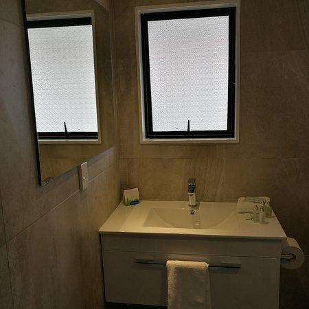 Whanganui, New Zealand: New Renovated Studio Unit Bathroom