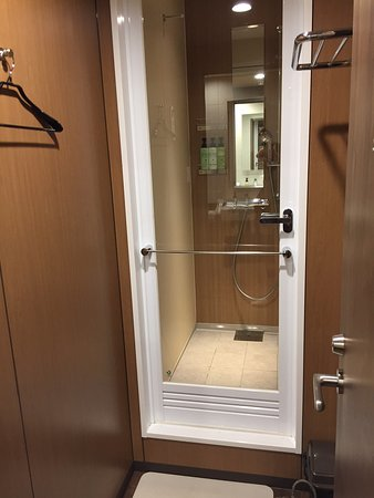 Shower cabin - Picture of MyCUBE by Mystays Asakusa Kuramae, Taito ...