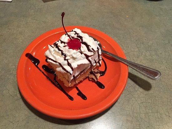 Rey Azteca Mexican Restaurant: Tre Leche Cake