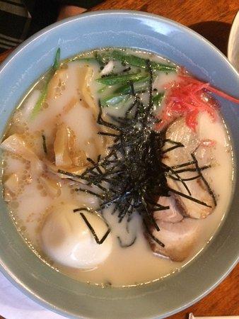 Sushi Mito Japanese Cuisine, とんこつラーメン