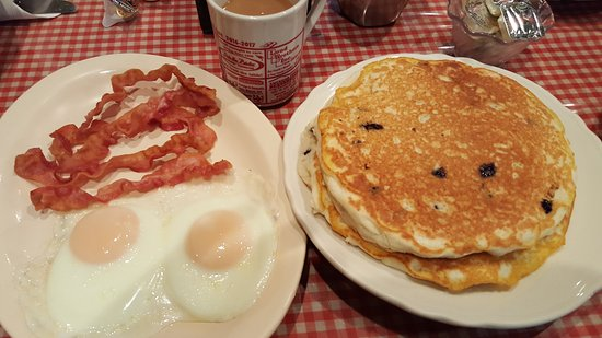 McHenry, IL: BIG pancake breakfast!  Very good!
