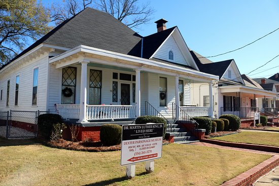 Dexter Parsonage Museum - Dr. Martin Luther King home: Residence and street