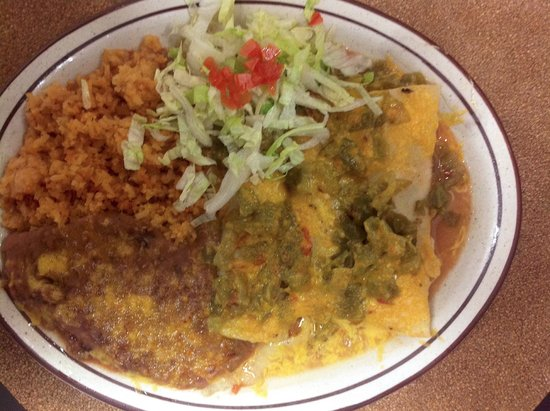 Bojo's Grill & Sports Club : Green Chile Enchiladas served with rice & beans