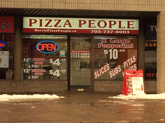 Barrie, Kanada: Don t let the store front fool you ...Go ahead and try the pizza.The Pizza is just AWESOME.