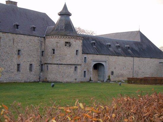 Chateau de Modave : cour 2
