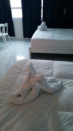 Design Suites Miami Beach: Two queen size beds (Studio room)