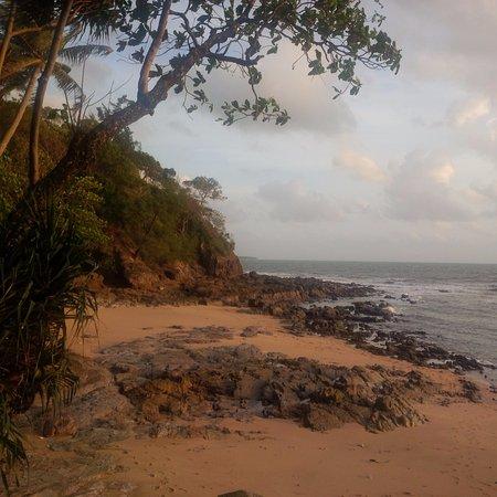 Crown Lanta Resort & Spa: Private beach