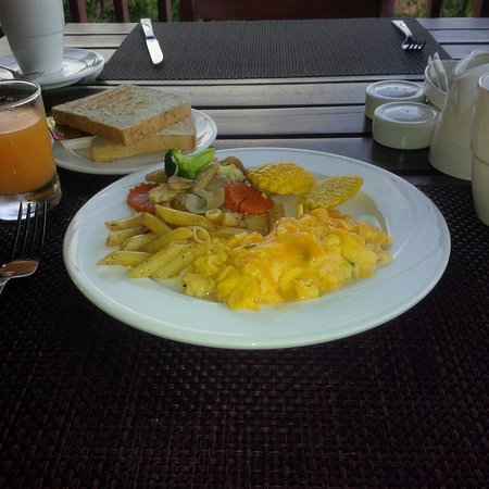 Crown Lanta Resort & Spa: Breakfast