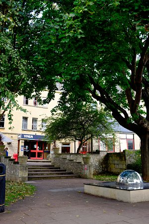 Bath YMCA: Courtyard