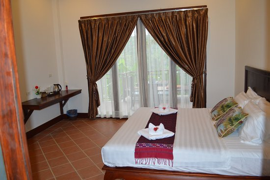 All Lao Elephant Camp : Guest Room of New Mahout Hotel with Garden River View