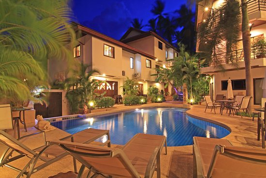 Soleil d'Asie Residence : Nighttime at the Pool