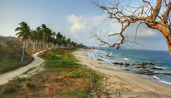 Coral Chaung Tha Beach