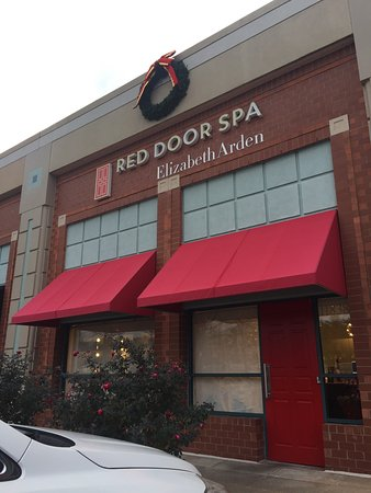 ‪Elizabeth Arden Red Door Day Spa‬