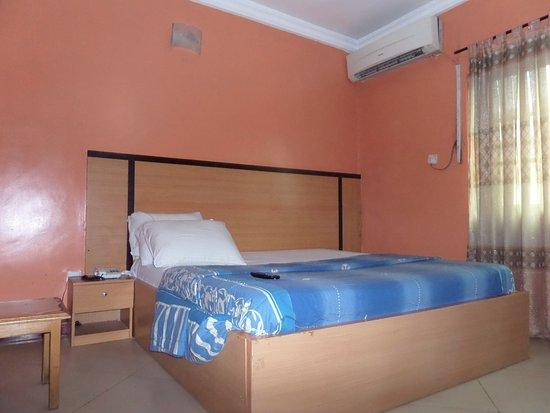 Sada Cruz Hotel & Suites