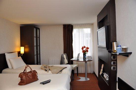 Kyriad nantes est carquefou hotel france voir les for Prix chambre kyriad