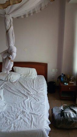 Sunrise Hotel: в номере есть москитная сетка что особо полезно при нахождении в Африке