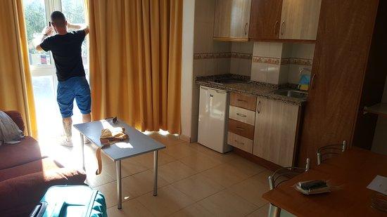 Doramar Apartments Benalmadena: 20161211_143233_large.jpg