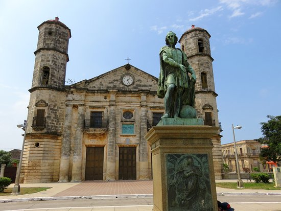 Cardenas Cathedral & the Columbus Statue - Cuba (04/April/16).