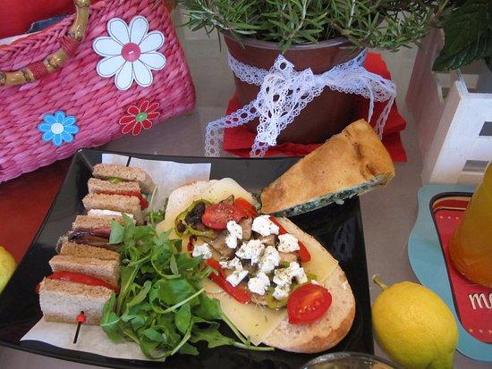 Stratos ArtDeco House: Breakfast gourmet