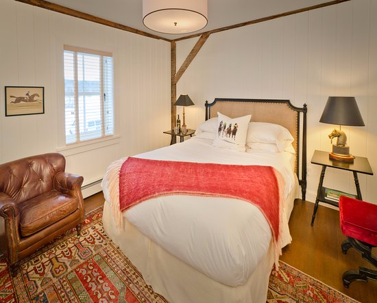 Arlington, VT: Standard queen bedroom in the main house with mountain views and marble bath.
