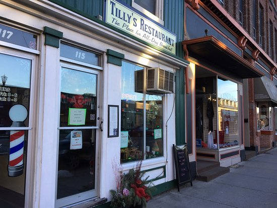 Tilly's - view from outside