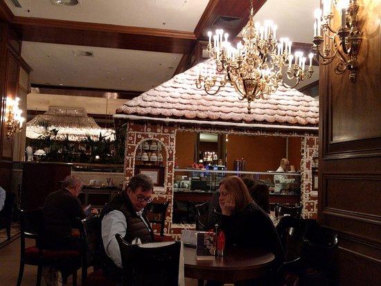 InterContinental Wien: the amazing gingerbread bar