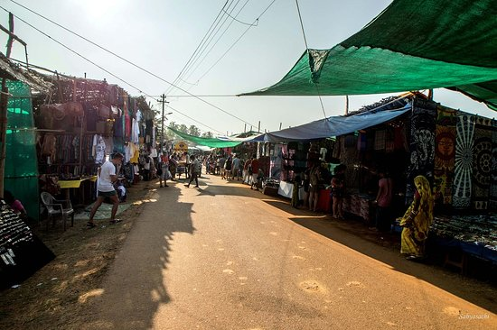 Anjuna, Indie: The market street