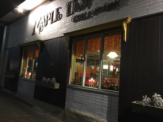 Maple Leaf Restaurant-Bar Czech Snitzel House : Maple Leaf - view from outside