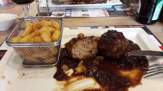 Fosses-la-Ville, Belgien: Boulets Liégeois+frites et mayonnaise = une tuerie!!!