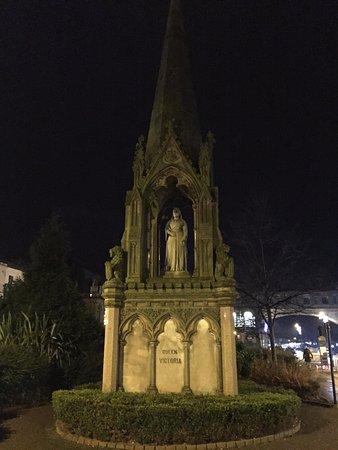 Queen Victoria Monument: Queen Victoria Harrogate