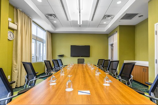 SpringHill Suites Chattanooga Downtown/Cameron Harbor: Board Room